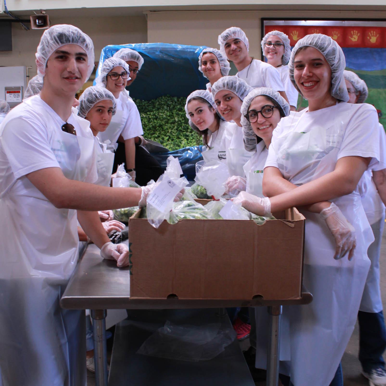 Volunteers from Cypress Friendship Program at Marion Polk Food S
