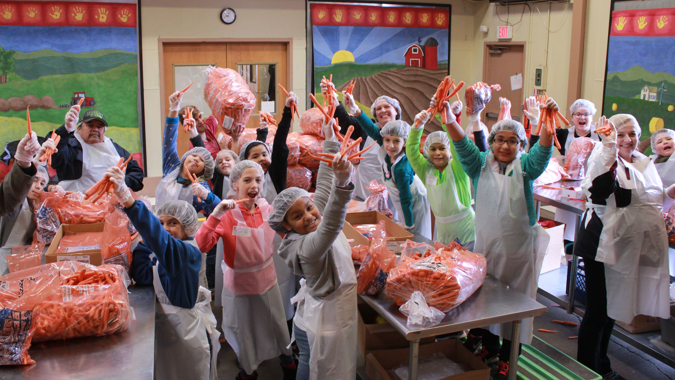 Livingstone Big Group packing carrots